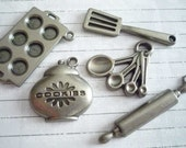 Antique Silver Metal Baking Set of 5 Charms - Rolling Pin Cookie Jar Muffin Pan measuring Spoons Spatula