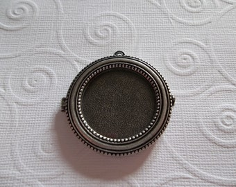 Antiqued Silver Locket - Glass Front 40mm - Beaded Edge Bezel - Display Your Own Image or Photo - Qty 1