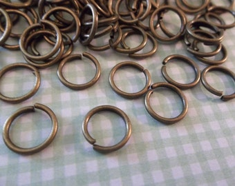 Antiqued Brass Round Jump Rings 18 gauge 8mm - Qty 118 Pieces