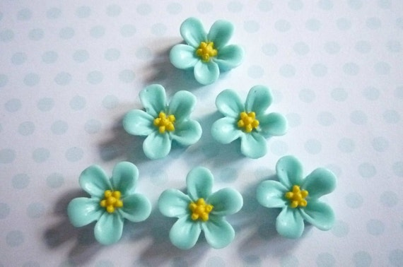 Matte Aqua  Blue with Yellow Center Resin Star Flower Flat Back 14mm Cabochons Qty 6