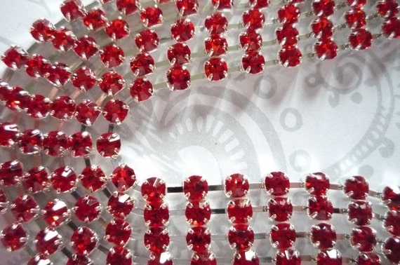 Sparkling Bright Red Glass 3mm Rhinestone Chain in Silver Setting - Qty 1 yard strand
