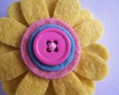 Daisy felt flower hair clip - bamboo yellow, rose pink, and aqua