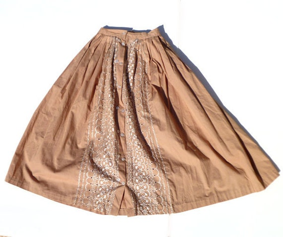 High Waist 1950s Circle Skirt- Embroidered Peach and White