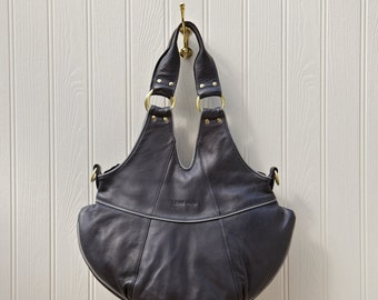 Aubrey leather Tote and messenger handmade from real leather.