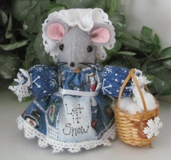 Cute Felt Winter Mouse Ornament with Basket of Snowballs for your House