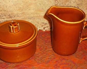 Vintage USA Reddish Brown Ceramic Pottery Creamer Pitcher Sugar Bowl with Lid Set Retro Dining Serving Home Kitchen Dishes