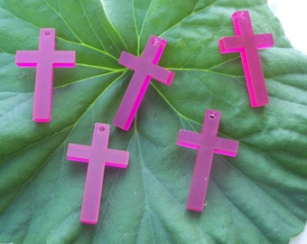 5 pieces Crosses charms (Pink color)