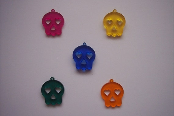 5 Pieces Skull Charms (Multi color) CHM005