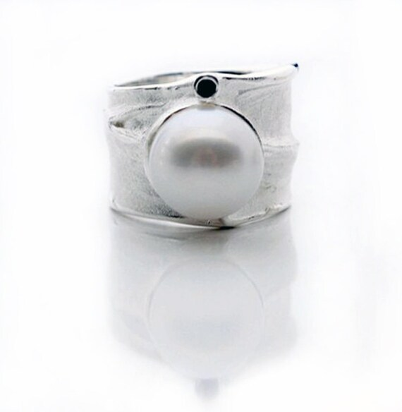 Ring - Pearl and Blue Sapphire Sterling Silver Ring