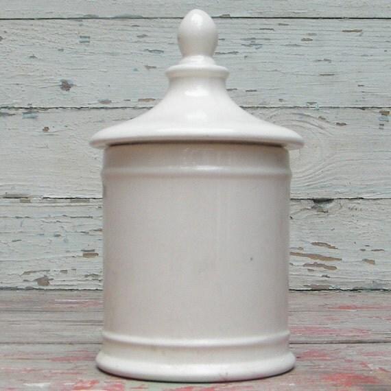 apothecary lid jar