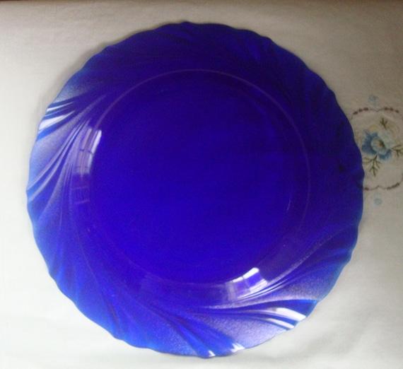 v i n t a g e duralex cobalt blue 8 dinner plates bormioli