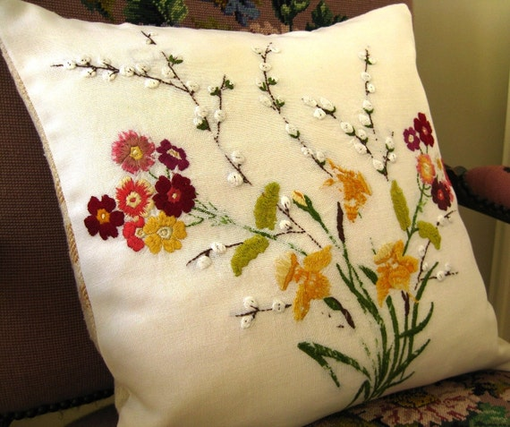 Hand Embroidered Floral Pillow Cushion Cover. Burlap Back. 18x18inch, 45x45cm Handmade with Passion