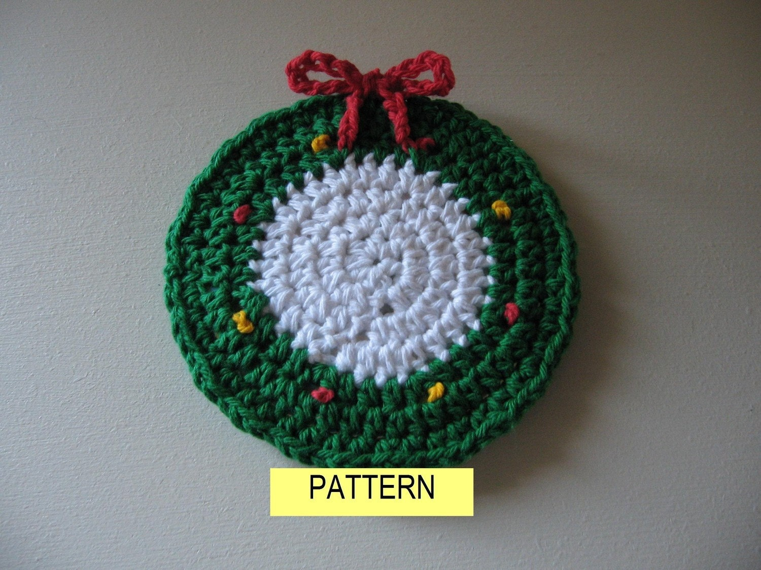 COASTER PATTERN / Holiday Wreath Crochet by CROCHETBYMELISSA