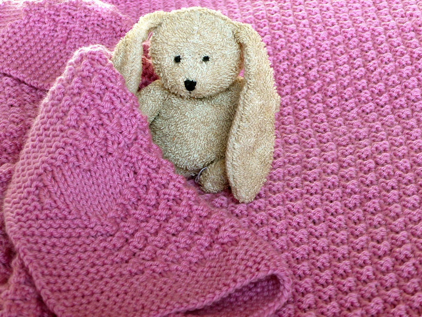 Knitting pattern heart blanket yaasfo for baby heart blanket knitting pattern bankloansurffo Gallery