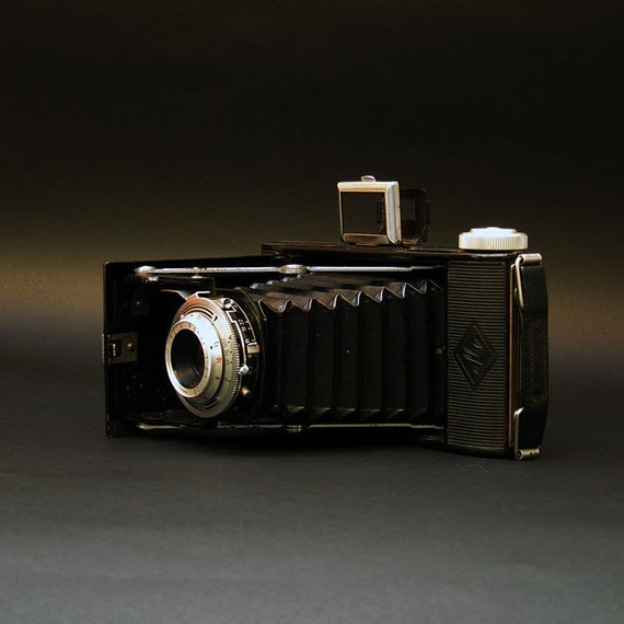 Agfa Billy 1951  Vintage Folding Pocket Camera - 6x9 Medium Format Negative - A Useable Classic