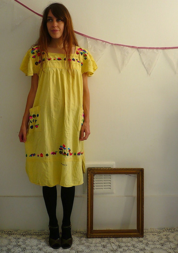 El Salvador Embroidered Folk Smock Dress Size Medium