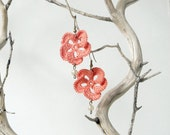 CORAL - Crochet flower earrings