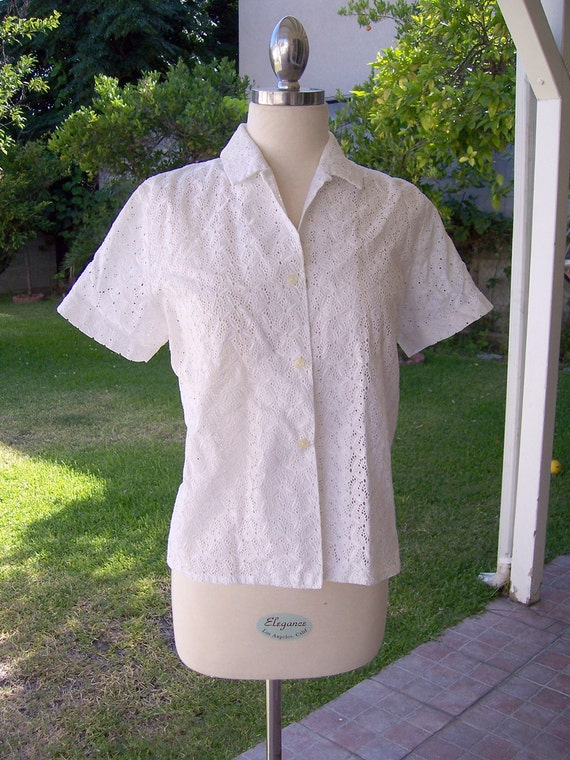 vintage white eyelet shirt short sleeve M