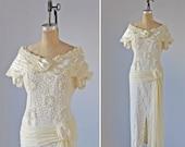 Wedding  Dress /  Vintage 1950s wedding dress / Gown / Hand made / Silk Satin / Lace /  Pearls  / Cream white
