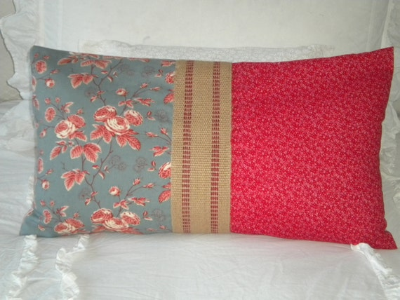 SALE - Cottage Pillow Cover