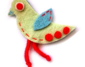 SALE Pretty Birdie Brooch