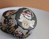 24 Pirate's Gold Cupcake Liners