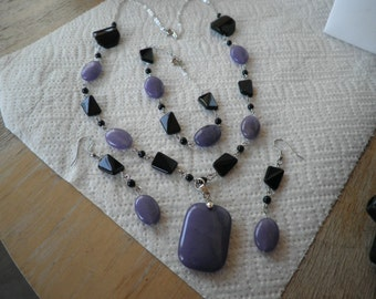 Sale Black and purple Stone Necklace