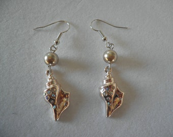 Sea Shell Earrings with Glass Pearl