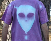 Alien hand-dyed T-Shirt: Purple/ White, Size Extra Large 100% cotton