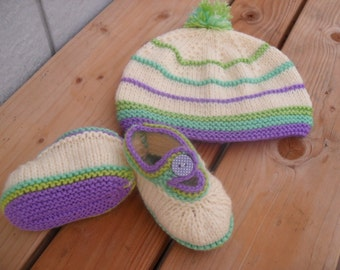 Clearance.Baby Hat and Booties Set.