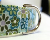 Tiny Green and Blue Flowers Collar