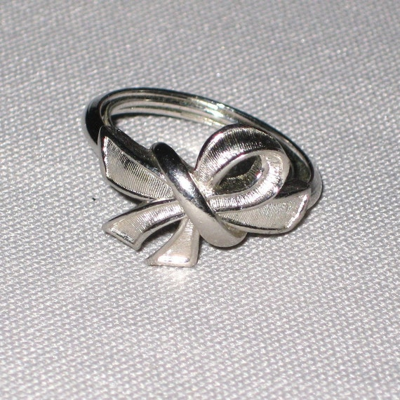 Vintage Avon Ring, Silver Bow