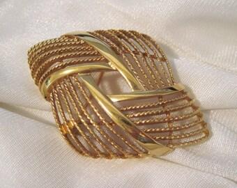 Brooch Vintage Monet Signed Gold Tone Bold Modern Design Scarf Pin Jacket Pin