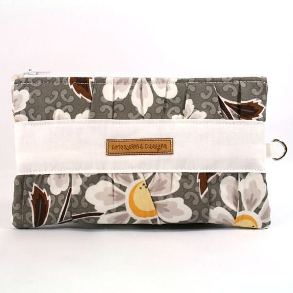 Gathered Zippered Clutch - Riley Blake Daisy Cottage - Made to Order