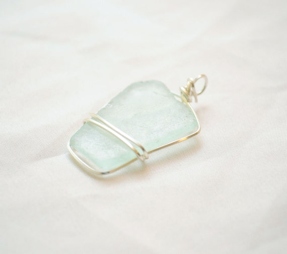 Geometric Seeaglass Pendant - Light Blue Rectangle