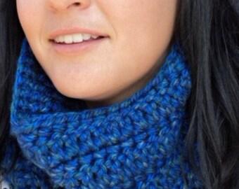 Crochet Cowl scarf/ gift/Christmas gift/blue crochet cowl