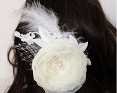 Ivory bridal hairclip with tulle and laces