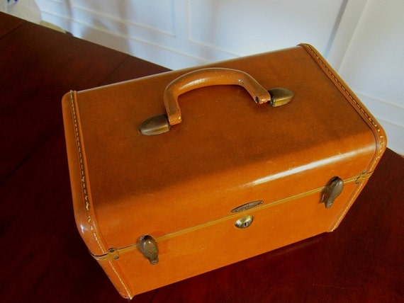 Vintage Samsonite Carmel Colored Train Case