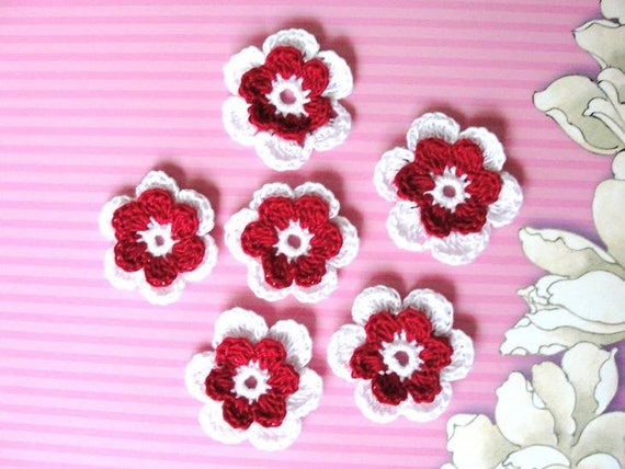 Crochet red and white cotton flowers A-58