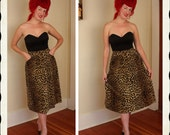 SAVAGE Bombshell 1950's Velvet Faux Fur Leopard Print Full Skirt with Stand Out Hip Pockets - Side Metal Zipper - VLV Pinup - Size L