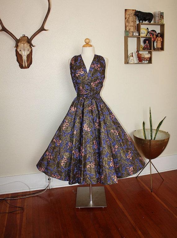 RESERVED 1950's Crisp Cotton New Look Couture Sun Party Dress w/ Belt - Metallic Novelty Print w/ Cherubs & Cupids - VLV - Size M