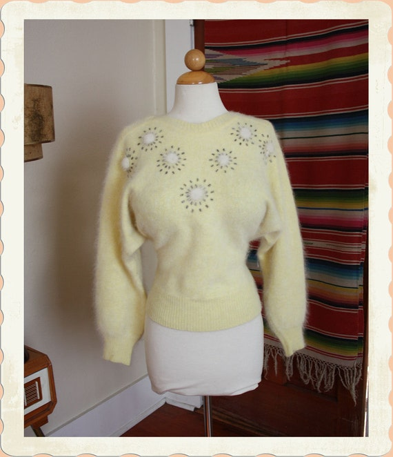 Adorable 1950's Angora Cropped Pinup Sweater w White Mink Fur Pom Pom Starburst Details - Bead Details - VLV - Sweater Girl - Size XL to XXL