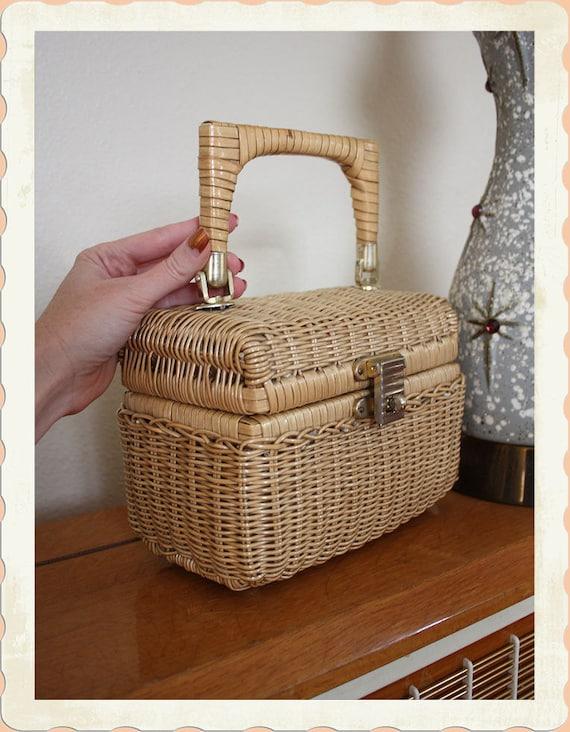 ADORABLE 1950's Woven Tiny Picnic Basket Purse - Rattan - Perfect with Hawaiiana Tiki Outfits - VLV - Lolita