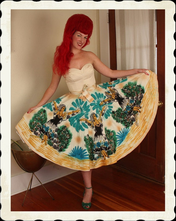 KILLER 1950's Hand Painted Novelty Mexican Cotton Circle Skirt w/ Sexy Piel Canela Women Dancers - Vibrant - Rare - VLV - Size M