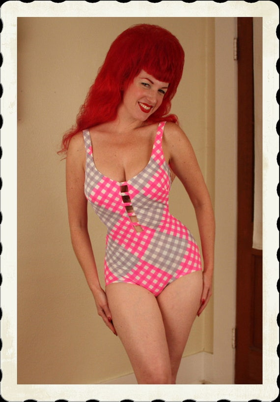 FABULOUS Early 1960's Pink & Grey Harlequin Diamond Print Swimsuit by Cole of California for Saks Fifth Avenue - Cut Out Center - Size M