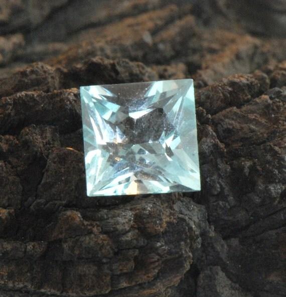 Princess Cut Aquamarine faceted gemstone 3.28 cts VVS