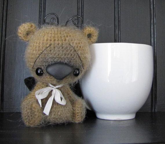 Nola a sweet anime buggy thread artist bear by SammiBears