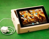 iBox - Sound enhancing iPad stand