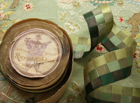 1 yard millinery fancy woven metal ribbon satin green checks lame flapper hats