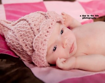 Pixie Twist Hat pdf PATTERN (digital download), newborn to adult sizes, elf hat to crochet for baby, photo prop